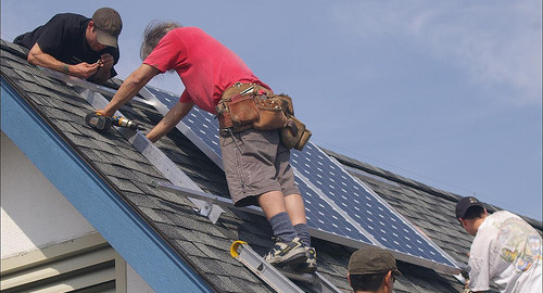 Solar Power Devotees Install 20 Solar Panels At Their North Carolina Home